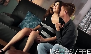 Hot brunette (Natasha Malkova, Richie Calhoun) make a romatic sextape - BABES