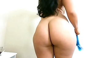 Thick ass Jolla fucks hard cock and squirts on him