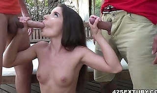 Anita Bellini gets double penetrated by big dicks